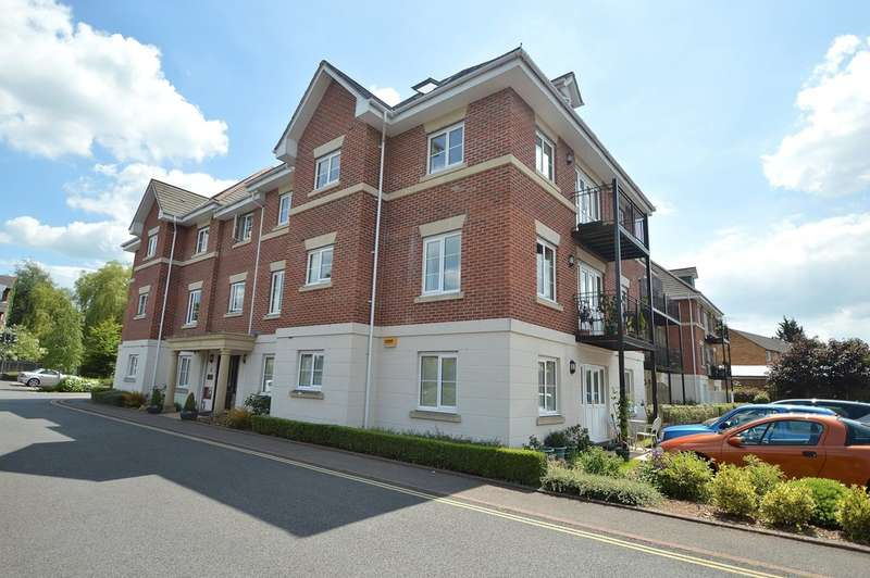 2 Bedrooms Flat for sale in Hursley Road, Chandler's Ford