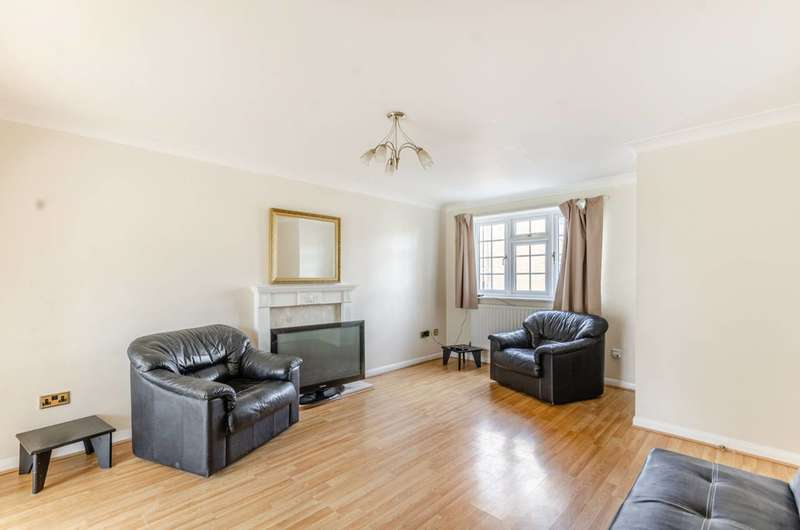 4 Bedrooms Terraced House for sale in Veals Mead, Mitcham, CR4