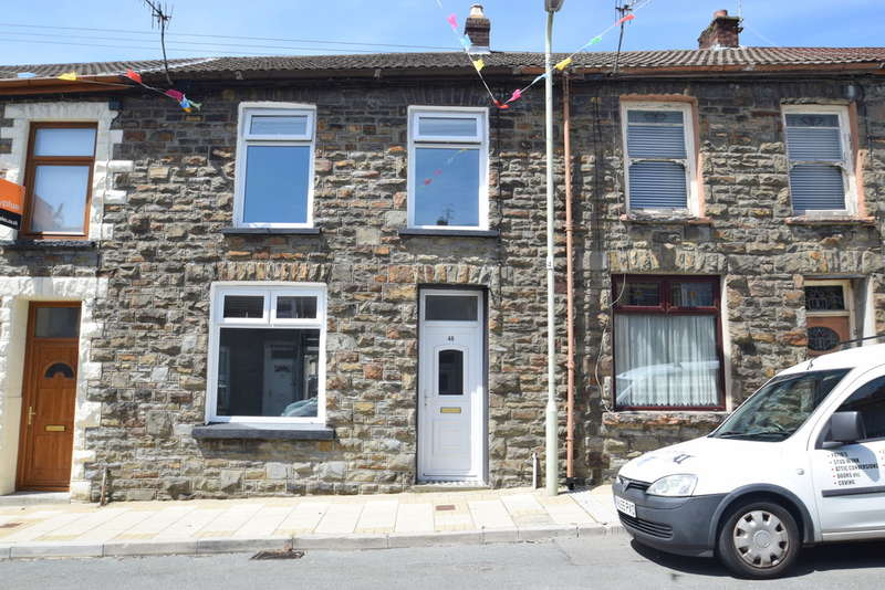 3 Bedrooms Terraced House for sale in 48 Queen Street, Pentre, Rhondda Cynon Taff, CF41 7HT