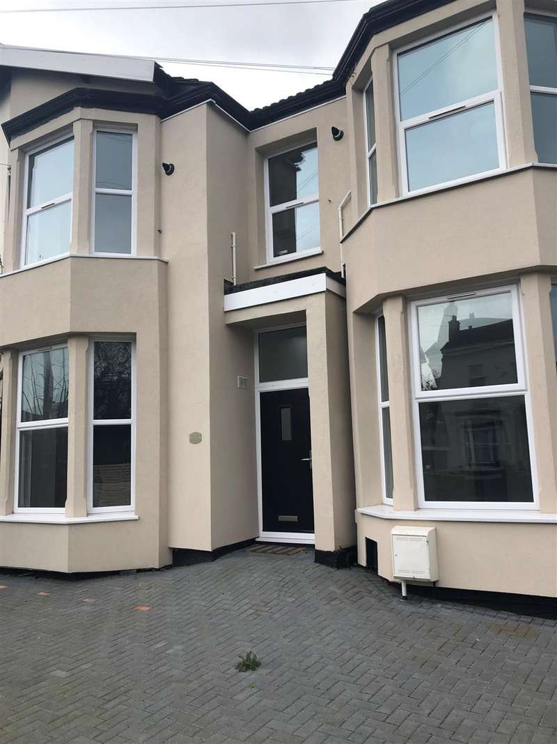 5 Bedrooms Detached House for sale in Prospect Vale, liverpool