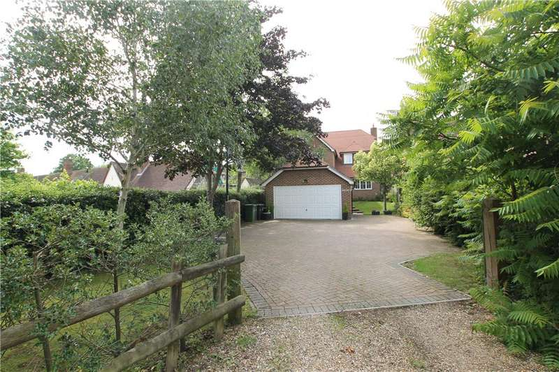 4 Bedrooms Detached House for sale in Thorndown Lane, Windlesham, Surrey, GU20