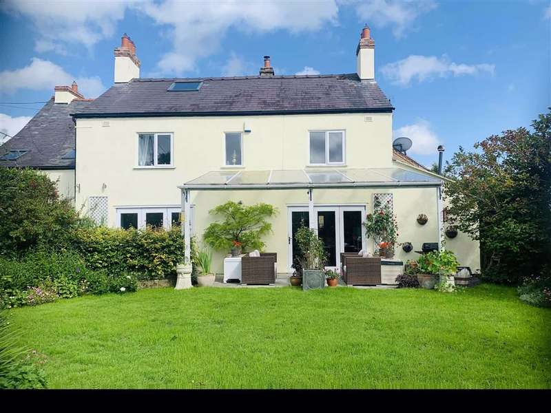 4 Bedrooms Detached House for sale in Church Road, Minera, Wrexham