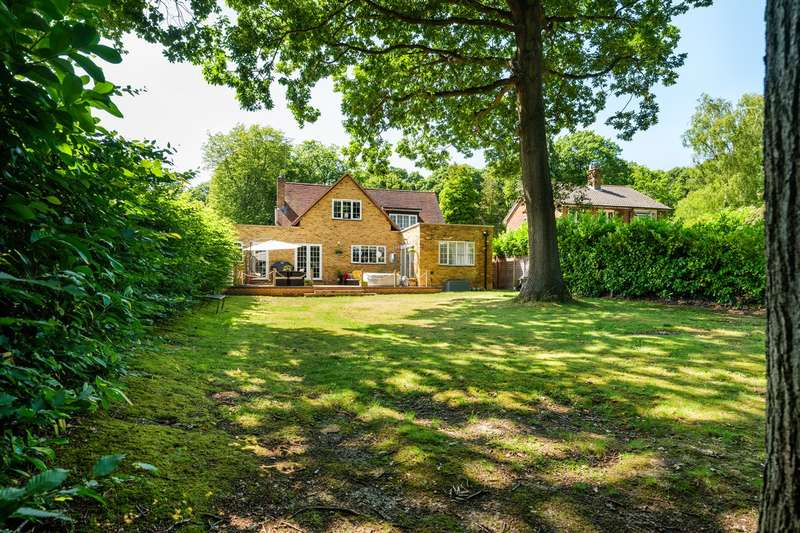 5 Bedrooms Detached House for sale in Reddings, Welwyn Garden City, AL8