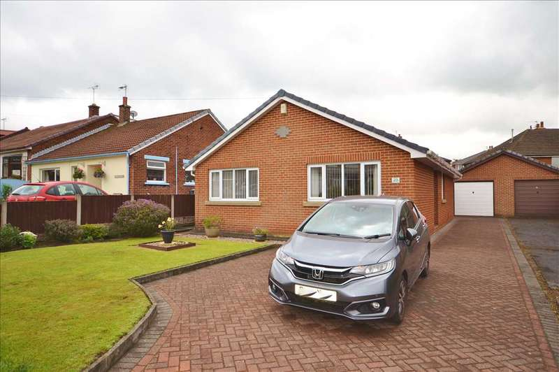 3 Bedrooms Detached Bungalow for sale in Chelmsford Place, Chorley