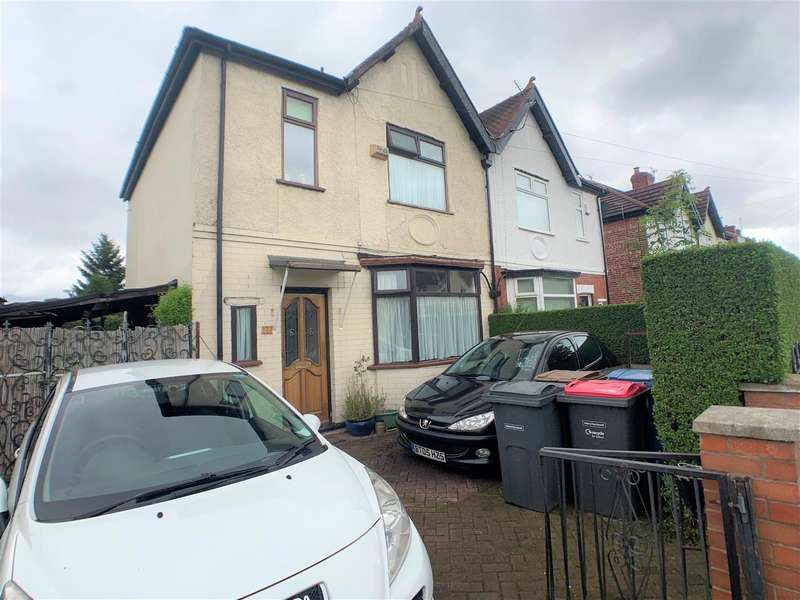 3 Bedrooms Semi Detached House for sale in Worsley Road, Eccles, Manchester