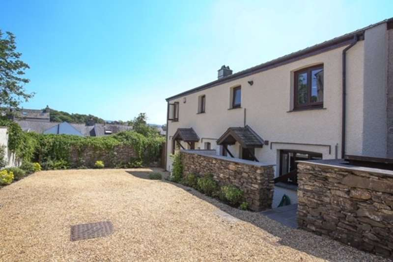 3 Bedrooms Terraced House for sale in Sawrey Court, Broughton-in-Furness
