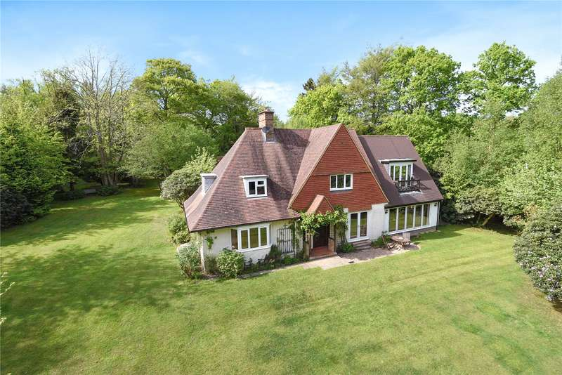 4 Bedrooms Detached House for sale in Cotchford Lane, Hartfield