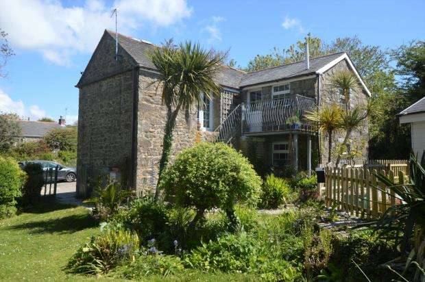 5 Bedrooms Detached House for sale in Prospidnick, Helston, Cornwall