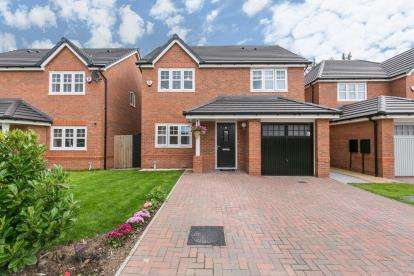 4 Bedrooms Detached House for sale in New Lincoln Road, Ellesmere Port, Cheshire, ., CH65