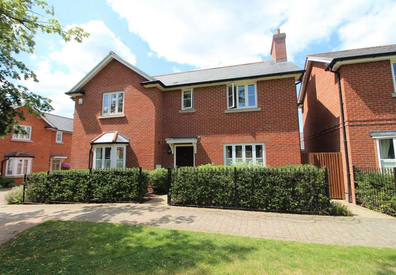 4 Bedrooms Detached House for sale in Kensington Way, Brentwood