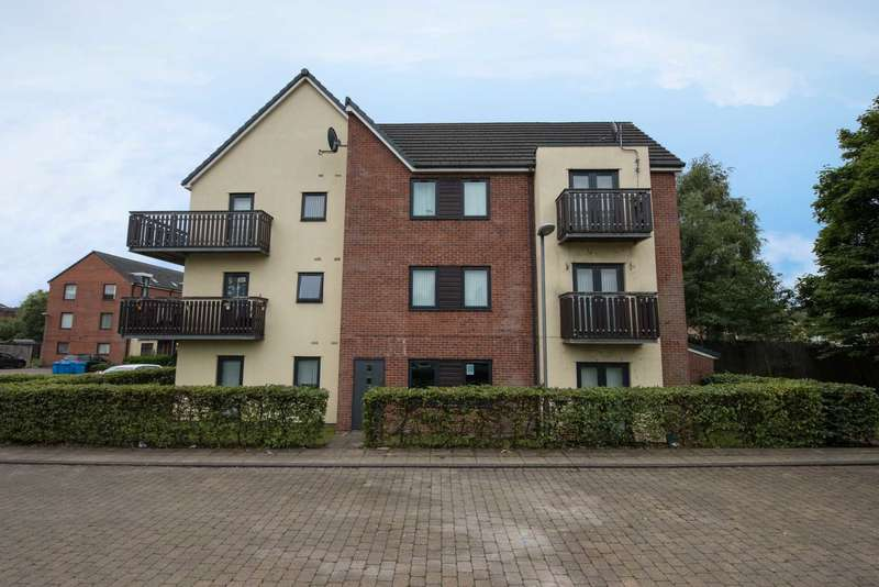 2 Bedrooms Flat for sale in The Place, Mere Drive, Clifton