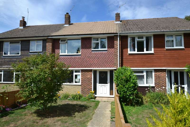3 Bedrooms Terraced House for sale in Cricket Lea, Lindford, Hampshire, GU35