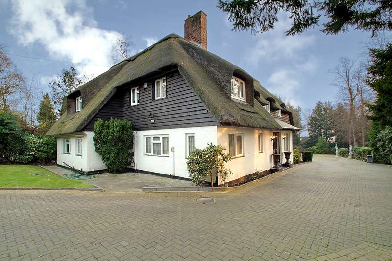 5 Bedrooms Detached House for sale in Pinner