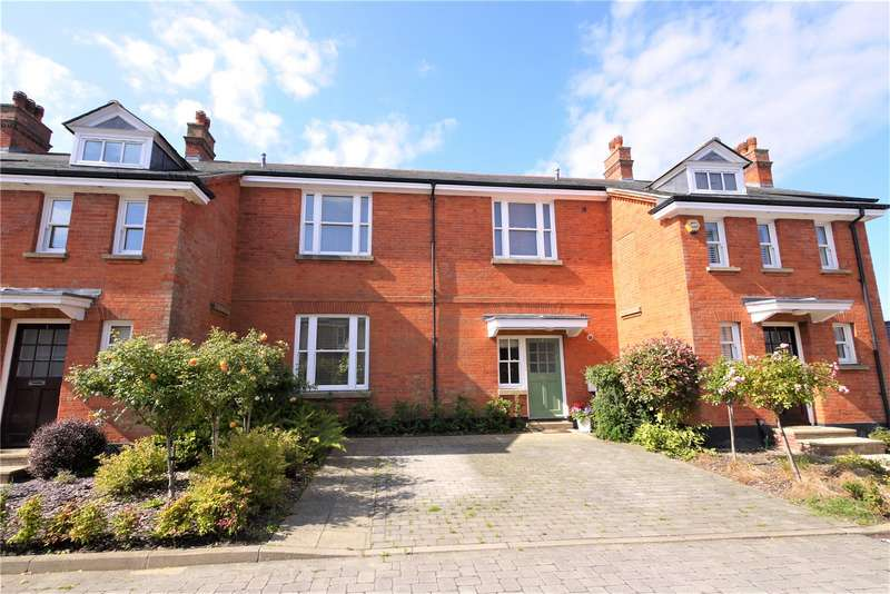 4 Bedrooms Terraced House for sale in Chelsea Way, Brentwood, Essex, CM14