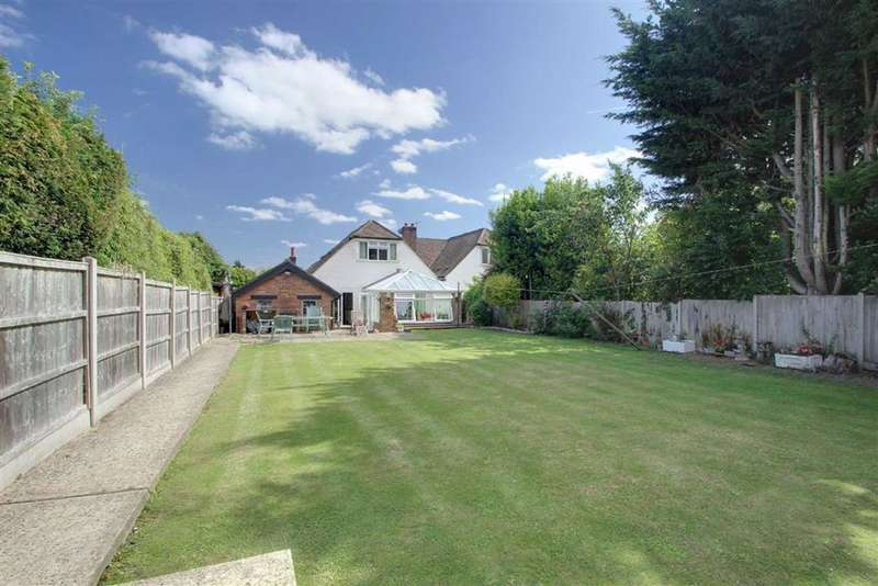 4 Bedrooms Semi Detached Bungalow for sale in Kings Langley, Hertfordshire