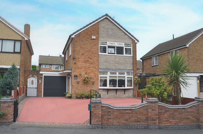 3 Bedrooms Detached House for sale in Winnall Close, Coseley, WV14 8QG
