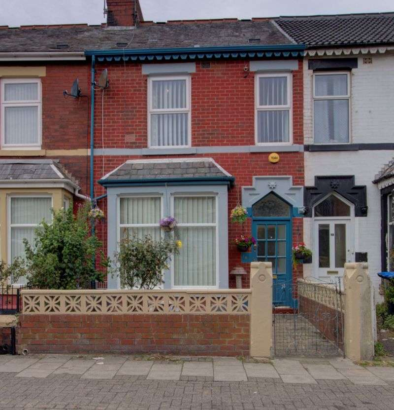 4 Bedrooms Property for sale in Threlfall Road, Blackpool, FY1