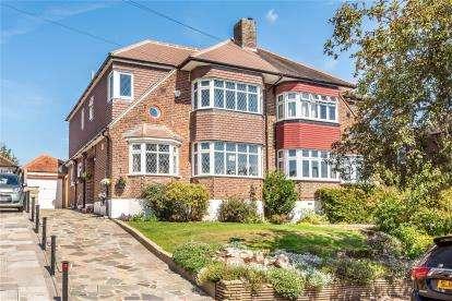 4 Bedrooms Semi Detached House for sale in Keswick Road, West Wickham