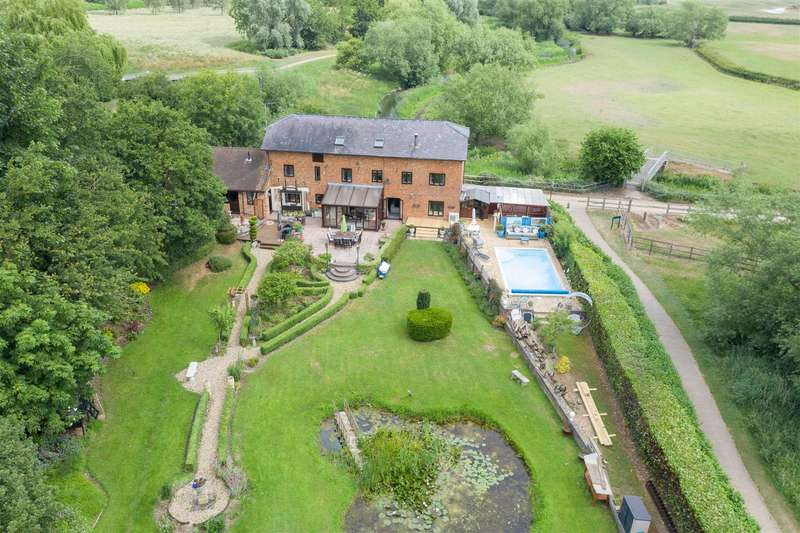 4 Bedrooms Detached House for sale in Mill Road, Milton Keynes