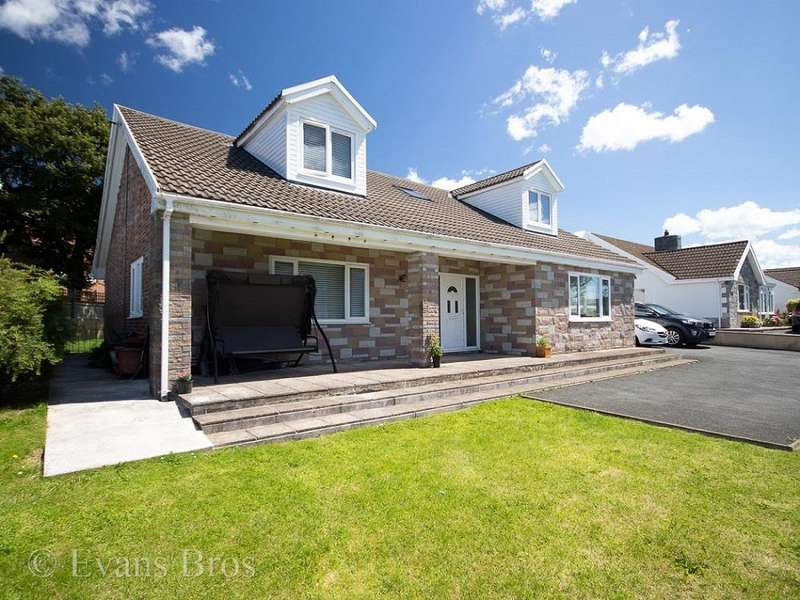 5 Bedrooms Detached House for sale in Bethlehem Road, St. Clears