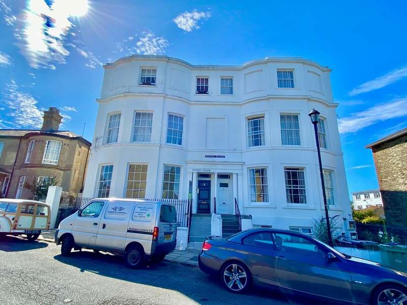 2 Bedrooms Flat for sale in Vernon Square, Ryde