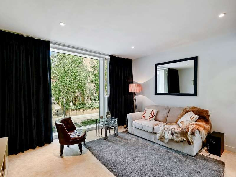 2 Bedrooms Flat for sale in Globe View House, Blackfriars Road