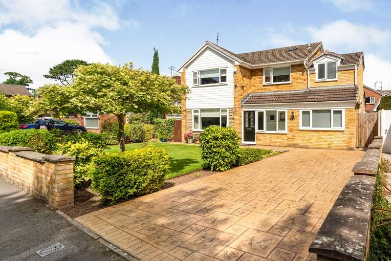 3 Bedrooms Detached House for sale in Spinney Drive, Ellesmere Port, Cheshire, CH66