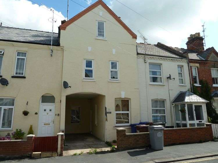 3 Bedrooms Town House for sale in Lisburn Road, Newmarket