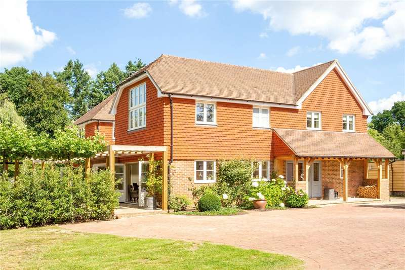 5 Bedrooms Detached House for sale in Pickhurst Road, Chiddingfold, Godalming, Surrey, GU8