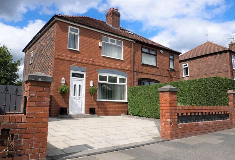 3 Bedrooms Semi Detached House for sale in Oldham Road, Manchester, Greater Manchester, M24