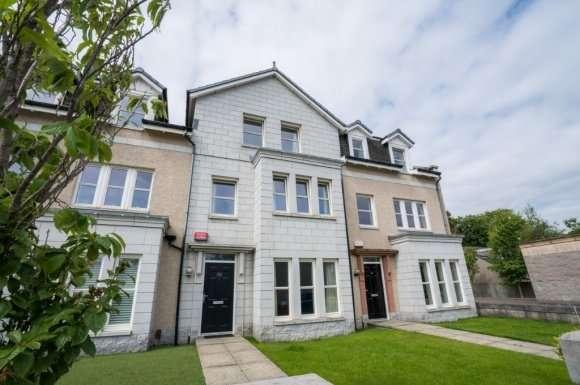 4 Bedrooms Property for rent in Polmuir Gardens, Ferryhill, Aberdeen, AB11