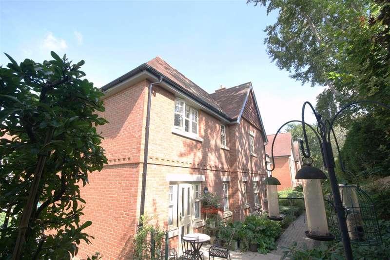 2 Bedrooms Retirement Property for sale in Wickham