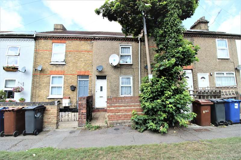 3 Bedrooms Terraced House for sale in Oak Road, Grays, RM17
