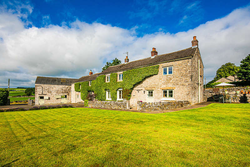 4 Bedrooms Detached House for sale in Flagg, Buxton