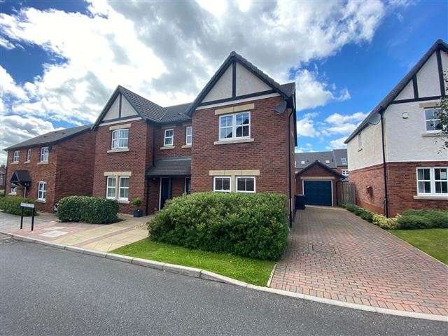 3 Bedrooms Semi Detached House for sale in Maxwell Drive, Kingstown, Carlisle, Cumbria, CA6 4EB