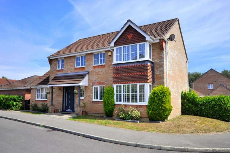 5 Bedrooms Detached House for sale in Woodland Close, Verwood, BH31 7PN