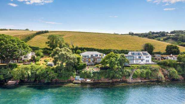 5 Bedrooms Detached House for sale in Teignharvey, Near Shaldon