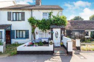 3 Bedrooms Semi Detached House for sale in Royal Oak Cottages, Station Road, Crawley Down, West Sussex