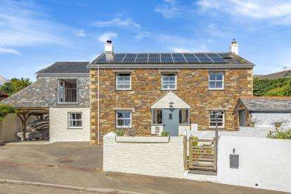 4 Bedrooms Detached House for sale in St. Mawes, Truro, Cornwall