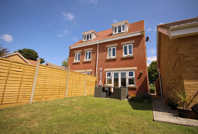 4 Bedrooms Town House for sale in Osborne Heights, East Cowes
