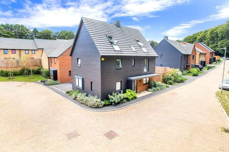 5 Bedrooms Detached House for sale in Fairway Road, Gillies Meadow, Park Prewett Road, Basingstoke, RG24
