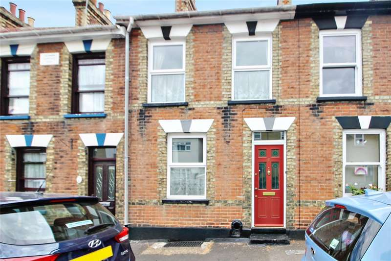 3 Bedrooms Terraced House for sale in Mitre Road, Rochester, Kent, ME1