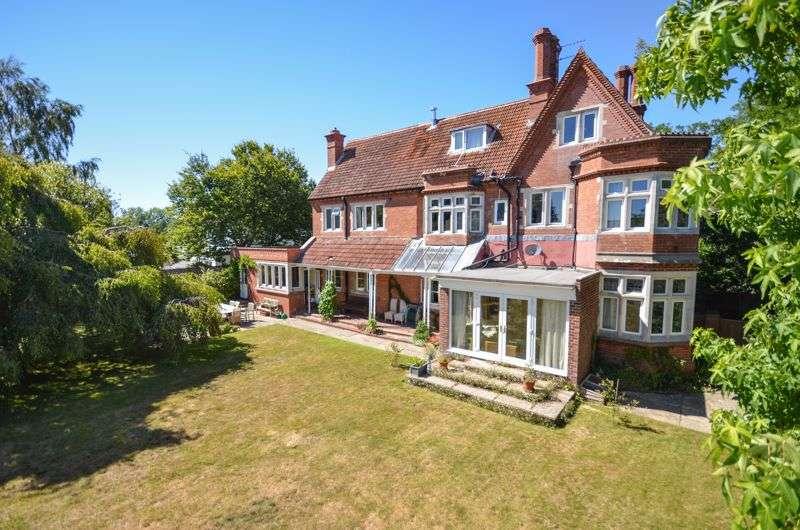 7 Bedrooms Property for sale in Wareham