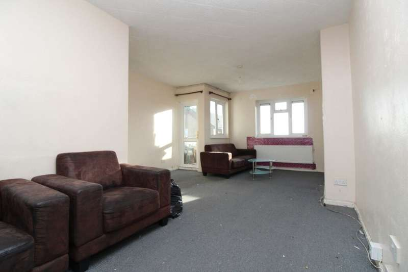 3 Bedrooms Flat for sale in Valence Road, Erith, DA8