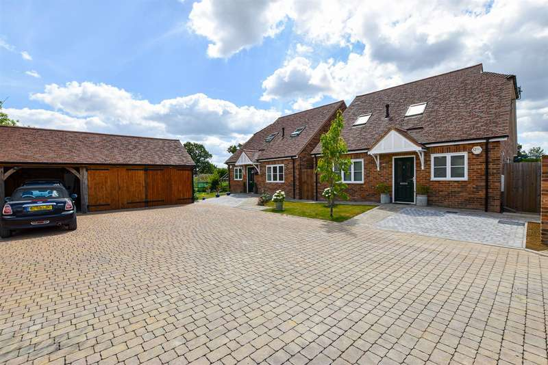 3 Bedrooms Detached Bungalow for sale in Wightwick Close, Staplehurst