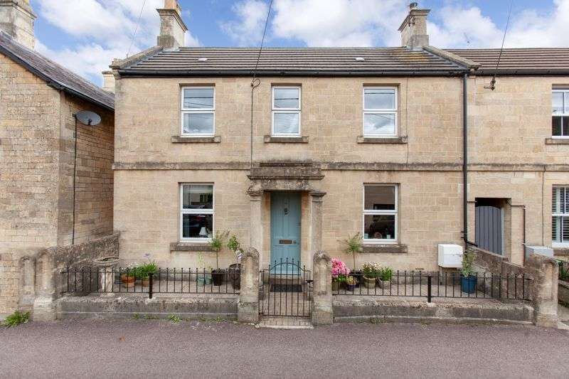 4 Bedrooms Property for sale in Hastings Road, Corsham