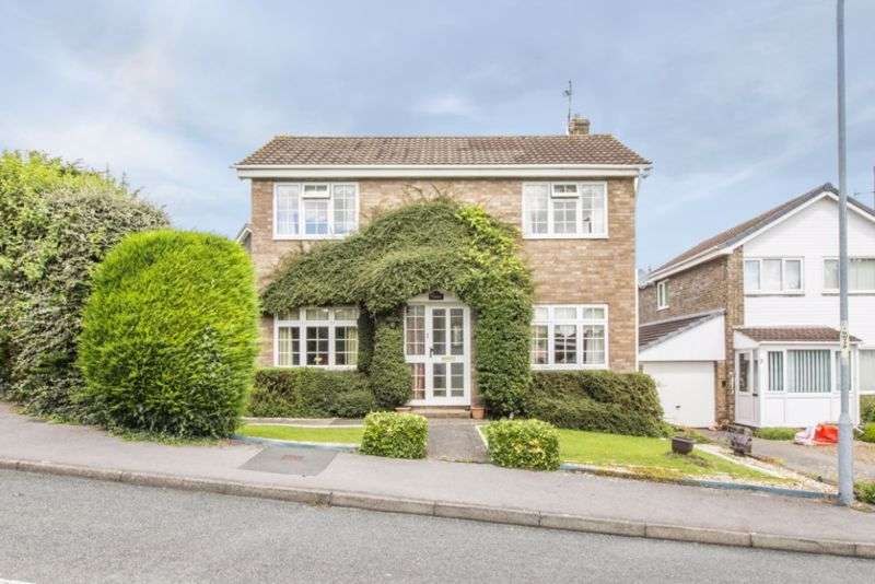 3 Bedrooms Property for sale in Castle Gardens, Chepstow