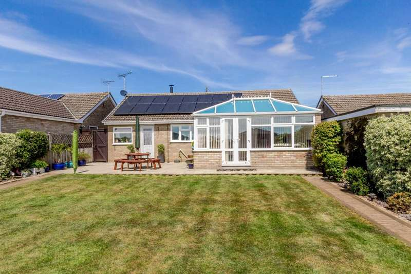 2 Bedrooms Detached Bungalow for sale in Ketts Hill, Necton