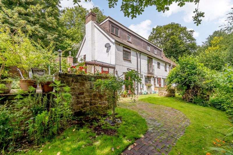 5 Bedrooms Property for sale in The Hollow, West Hoathly, East Grinstead, RH19