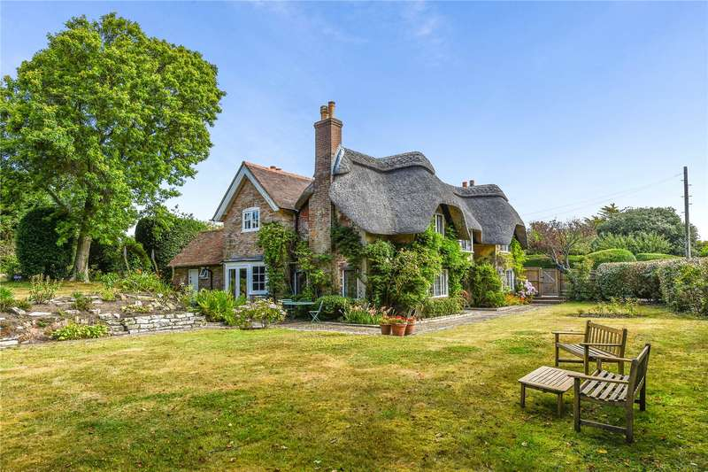 5 Bedrooms Detached House for sale in Church Hill, Milford on Sea, Lymington, Hampshire, SO41